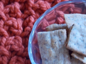 lace shirt, wheat crackers 053