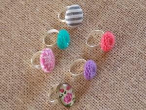 cmas wreaths, button rings 051