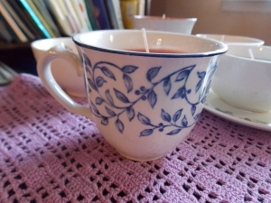 teacup candles, lace earrings 021