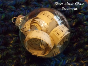 scrabble board, music ornament 014