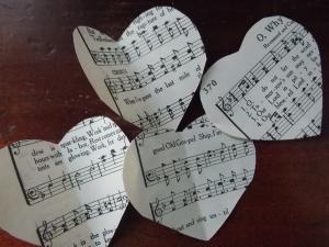 V-Day paper garland 044