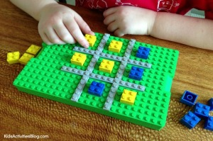 Lego-Tic-Tac-Toe-game