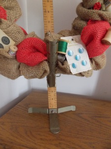 sewing wreath 011