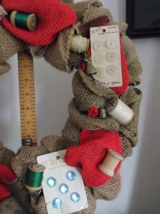 sewing wreath 012