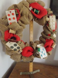sewing wreath 019
